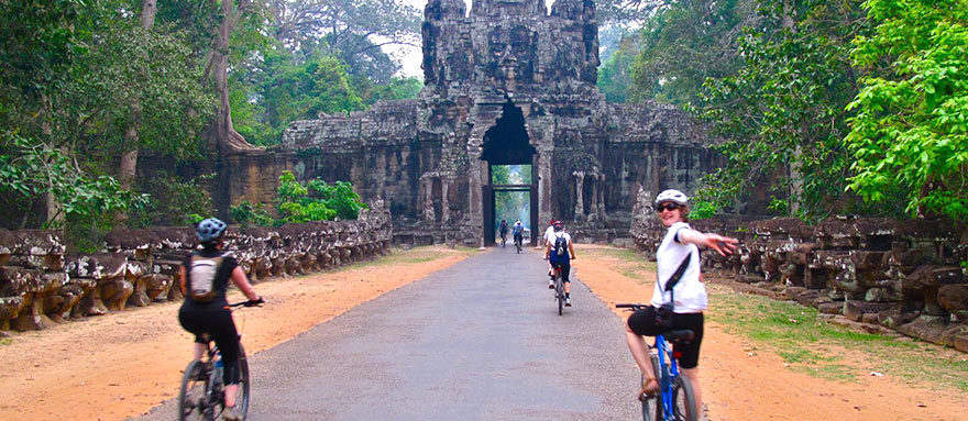 INT-C-FT03 4 Days Cambodia Family Tour with easy biking