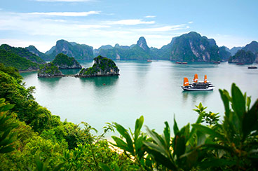 INT-VL-CT15  15 Days Classic Vietnam and Laos Tour