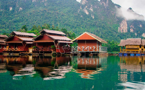 how to become a tour guide in vietnam