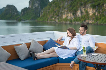 INT-V-HVT 10 Days Vietnam Highlights Tour with Halong Bay Cruise