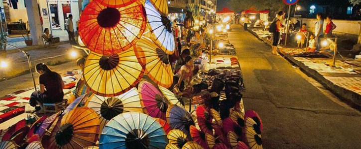 When visit Indochina countries, don't forget to see their night markets!