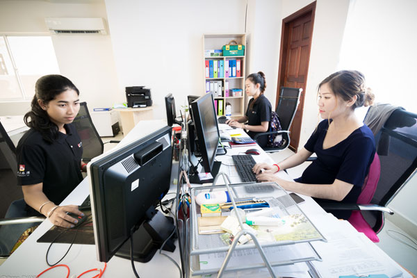 indochina-tour-new-office3