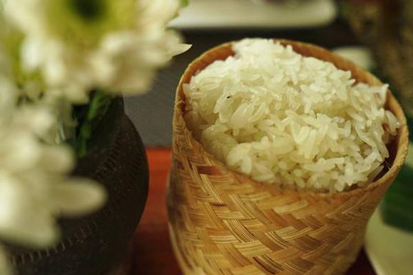 Sticky Rice (Khao Niao)