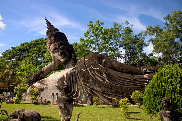 The statue of reclining Buddha is 40 centimeters high