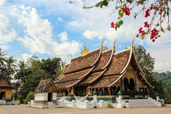 Wat Xieng Thong is a perfect example of spectacular Lao temple architecture